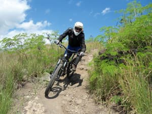 mountain bikers maido